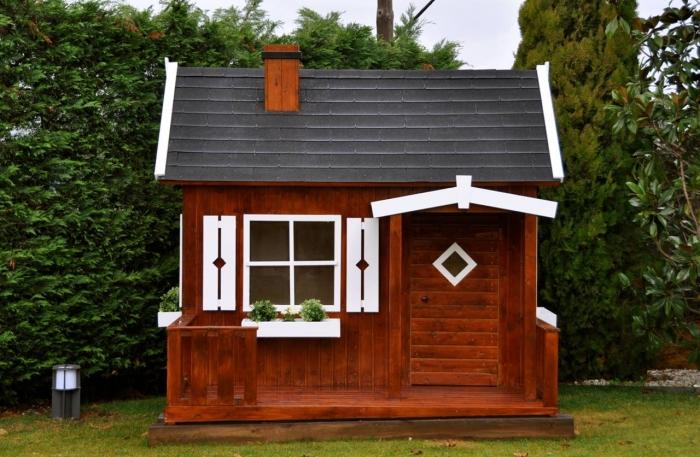 casita de madera infantil otto montada por los
