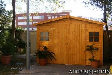 Instalaci n caseta de madera christa 3 en santa coloma de for Recogida de muebles santa coloma de gramenet
