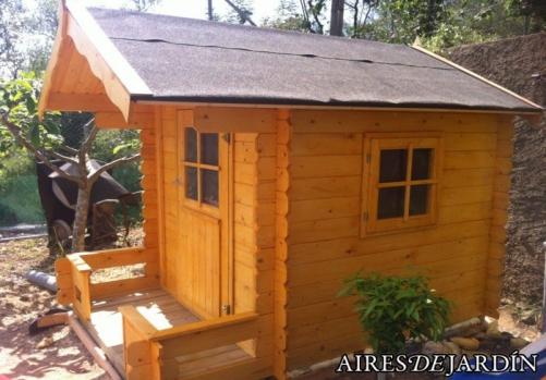 Caseta de madera infantil modelo sam instalada por nuestro - Caseta madera infantil ...