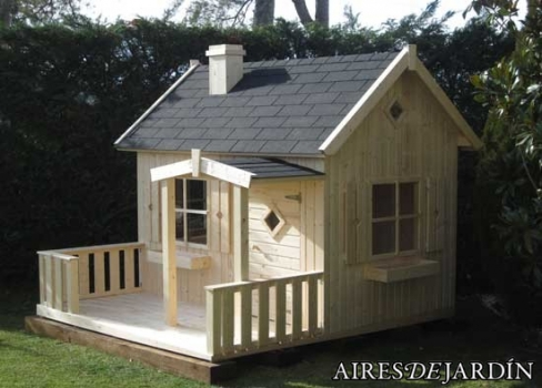 Montaje e instalaci n de casita infantil otto en sant for Casitas con jardin