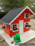 Resultado instalación por el propio cliente de la casita de madera infantil Tom en la Comunidad Valenciana