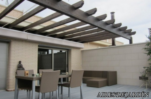 P rgolas de madera tipos modelos y materiales for Materiales para terrazas