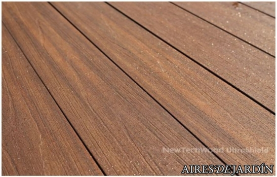Madera sintetica exterior en constante evoluci n for Fabricacion de bares de madera
