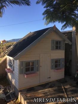 Resultado instalación casita de madera infantil TOM